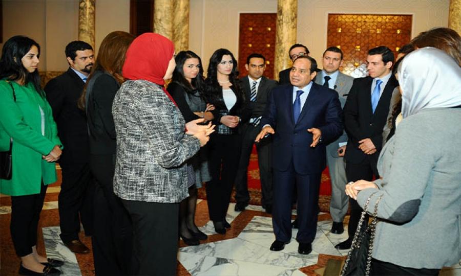 الإناث إلى الخدمة المدنية الإجبارية في مصر