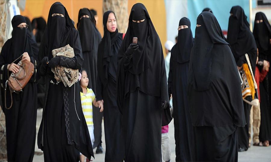 الأجهزة الذكية فرصة السعوديات في معرفة حقوقهن