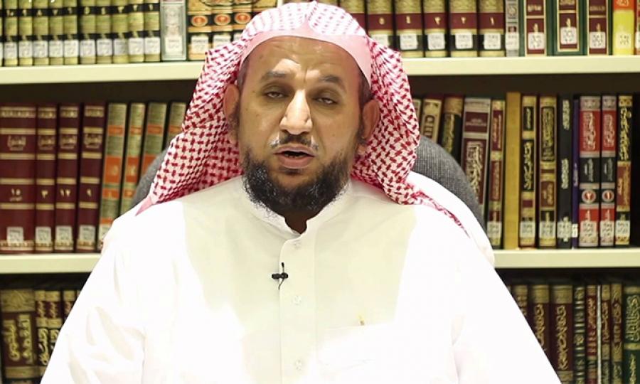 شيخ سعودي يعلّم الأزواج طريقة ضرب النساء