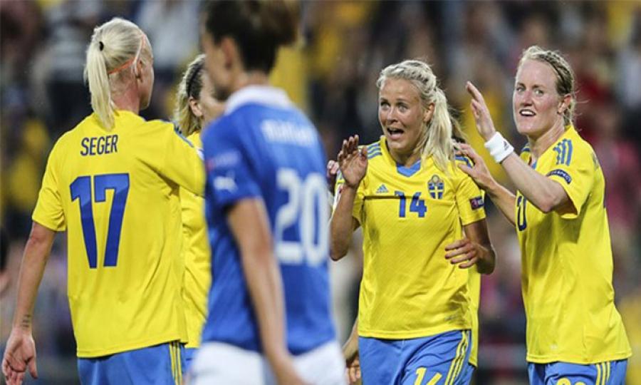 هل تحتكر رياضة كرة القدم اهتمام النساء في أوروبا ؟