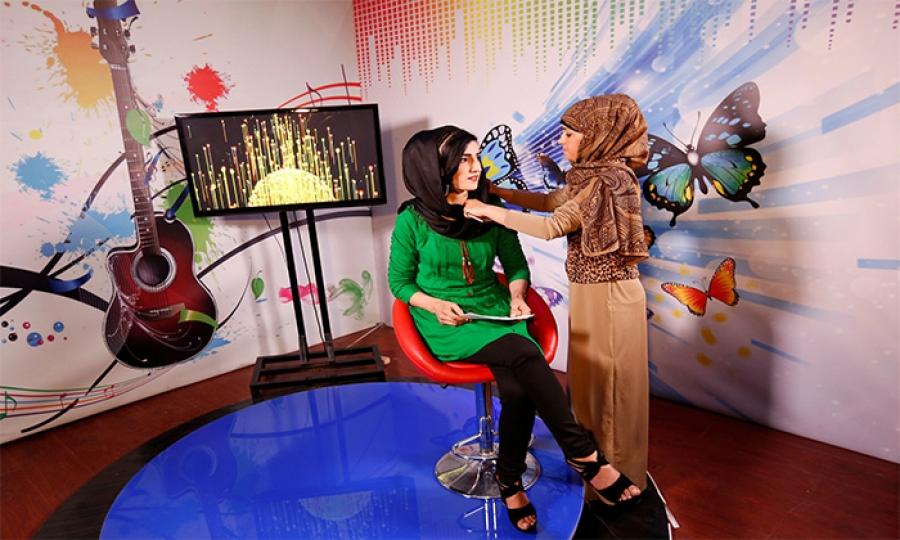 قناة للنساء فقط في أفغانستان