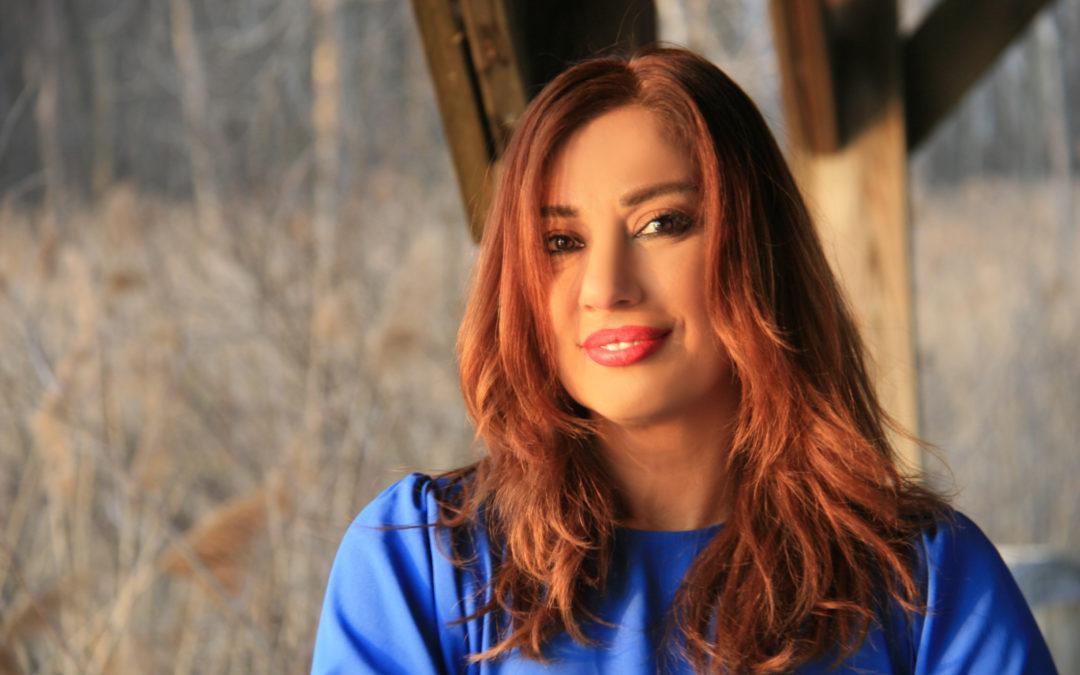 إعلامية لبنانية تتعرض للتحرش أمام منزلها …والكاميرات توثق ماجرى!