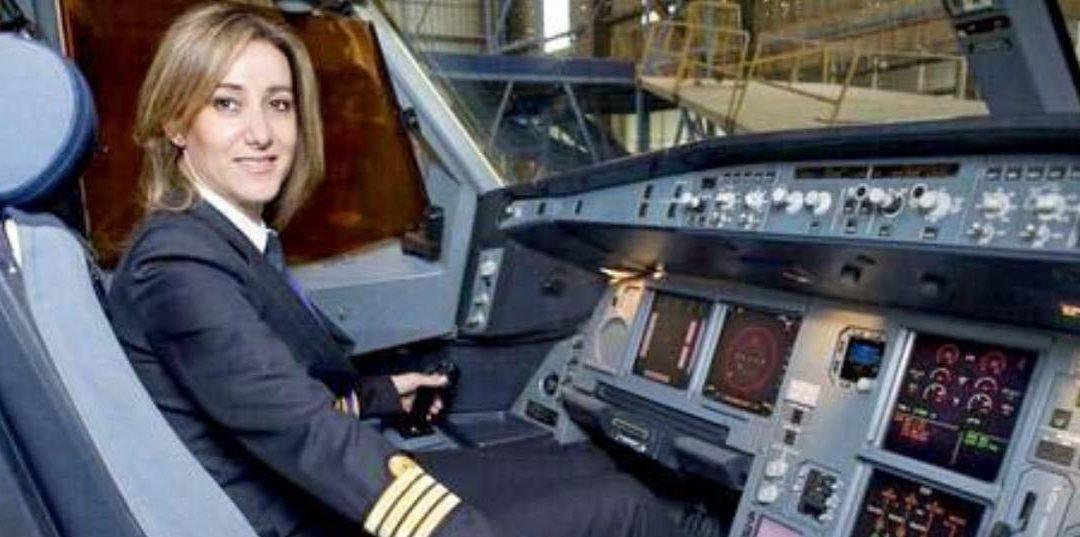 """الكابتن في """"الميدل ايست"""" رولا حطيط تتحدى الهواء وتهبط بطريقة بطولية في لندن!"""