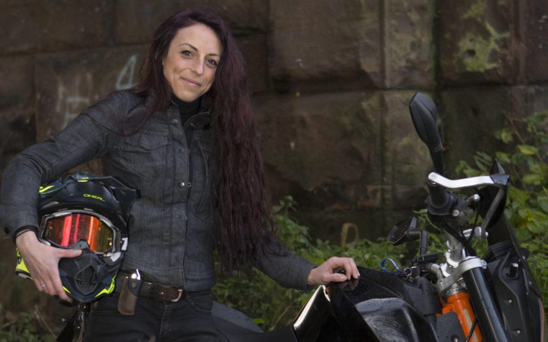 في أكبر جولة تتابع نسائية مسجّلة للدراجات النارية نساء عبرن 79 دولة خلال عام