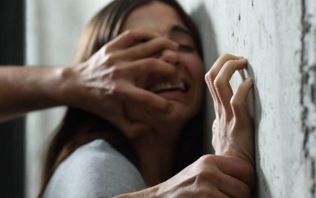 القبض على عراقي اغتصب طفلة وقتلها وعمد إلى دفنها في حديقة منزله