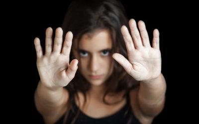 خدّر بناته الثلاث وأخضعهنّ للختان في مصر