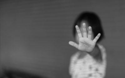 ابنة  الـ7 سنوات تعرضت للاعتداء والضرب في منزل والدها… ومعلومات حول تورّط العائلة بقتل شقيقتها!